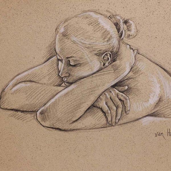 Francine Van Hove – Dans le coussin de ses bras – Pierre noire rehauts de blanc – 50 x 65 cm – sold