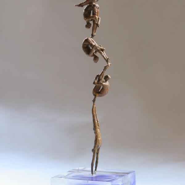 Claire Fontana - Plongeon - bronze et verre - 14 x 14 x 35 cm - 1600 €