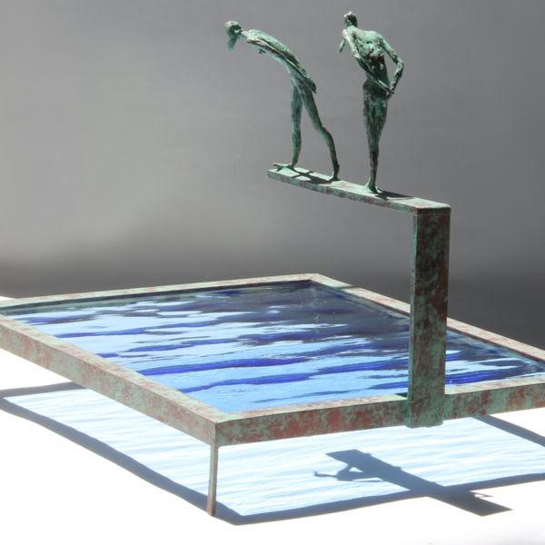 Claire Fontana - Couple de plongeurs - bronze et verre - 23 x 18 x 18 cm - 1000 €