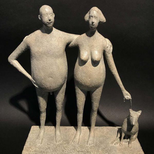 Lucette Brandy – Le couple au chien – bronze 7 sur 8 – 27 x 10 x 31 cm – 3400 €