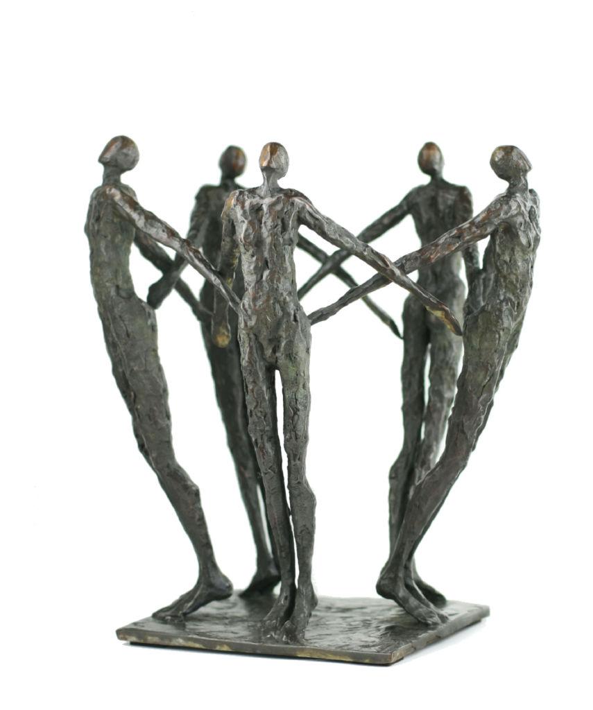 Nancy Vuylsteke de Laps - La ronde étoilée - bronze - 30 x 30 x 33 cm - 5900 €