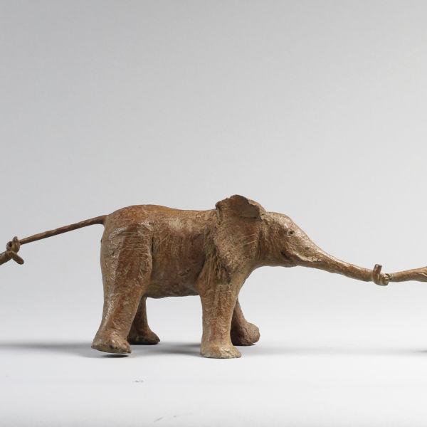 Sophie Verger - Sokatira - Bronze - 12 x 55 x 11,5 cm - Tirage numéroté sur 8 - Fonderie d'art Desroyaume - 2800 €