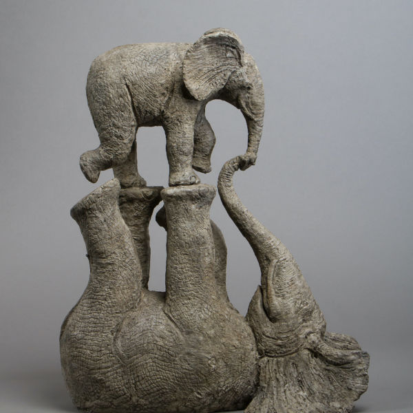 Sophie Verger - Tendres jeux - Bronze - 52 x 43 x 24 cm - 5400 €