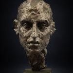 Irina Shark - Tête monumentale - bronze 1/8 - 54 x 25 x 20 cm - 5500 €