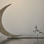 Valentine Laude - Décrocher la lune - bronze pièce unique - 30 x 41 x 6 cm - 1900 €
