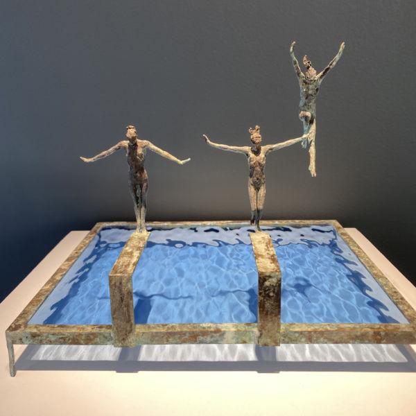 Claire Fontana - Trio de plongeuses - bronze et verre n°5/8 - 29 x 25 x 23 cm - 1900 €