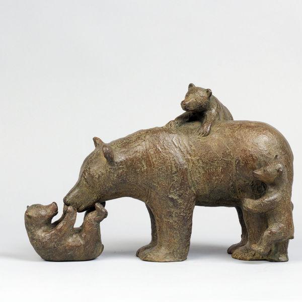 Sophie Verger - Trois oursons - bronze - 35 x 25 x 17 cm - 3500 €